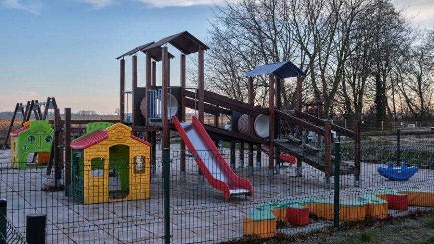 KOMUNIKAT WÓJTA GMINY NIEGOSŁAWICE  z dnia 4 czerwca 2020 r.  w sprawie korzystania z placów zabaw na obszarze Gminy Niegosławice